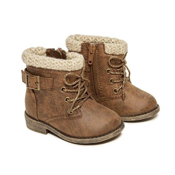 67bafaf3373 Girls booties size 6 Garanimals